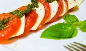 Салат с моцареллой рецепт