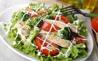Салат из курицы и брокколи