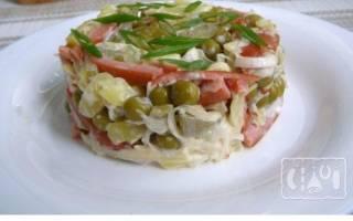 Салат Охотничий с копченой колбасой: пошаговый рецепт с фото