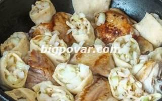Куриные окорочка с луковыми рулетиками рецепт
