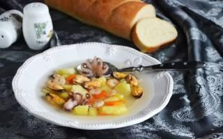 Суп с морским коктейлем