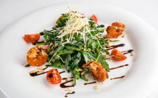 Салат с рукколой и креветками рецепт