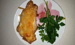 Свиные отбивные с сыром и луком