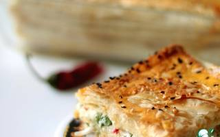 Пирог с брынзой из слоеного теста рецепт