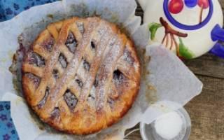 Открытый пирог с вареньем из дрожжевого теста: рецепт с фото