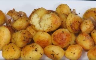 Картошка запеченная с хрустящей корочкой в духовке рецепт