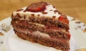 Торт с клубникой в мультиварке