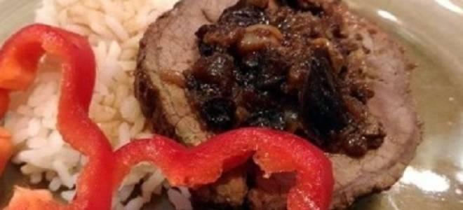 Мясной рулет с черносливом рецепт