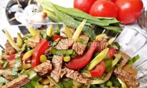 Салат с говядиной и черемшой рецепт