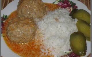 Тефтели с рисом